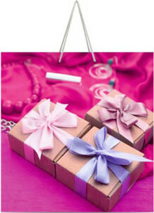 Подарочные картонные пакеты в Днепре